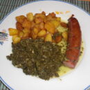 Grünkohl mit Mettwurst und Bratkartoffeln